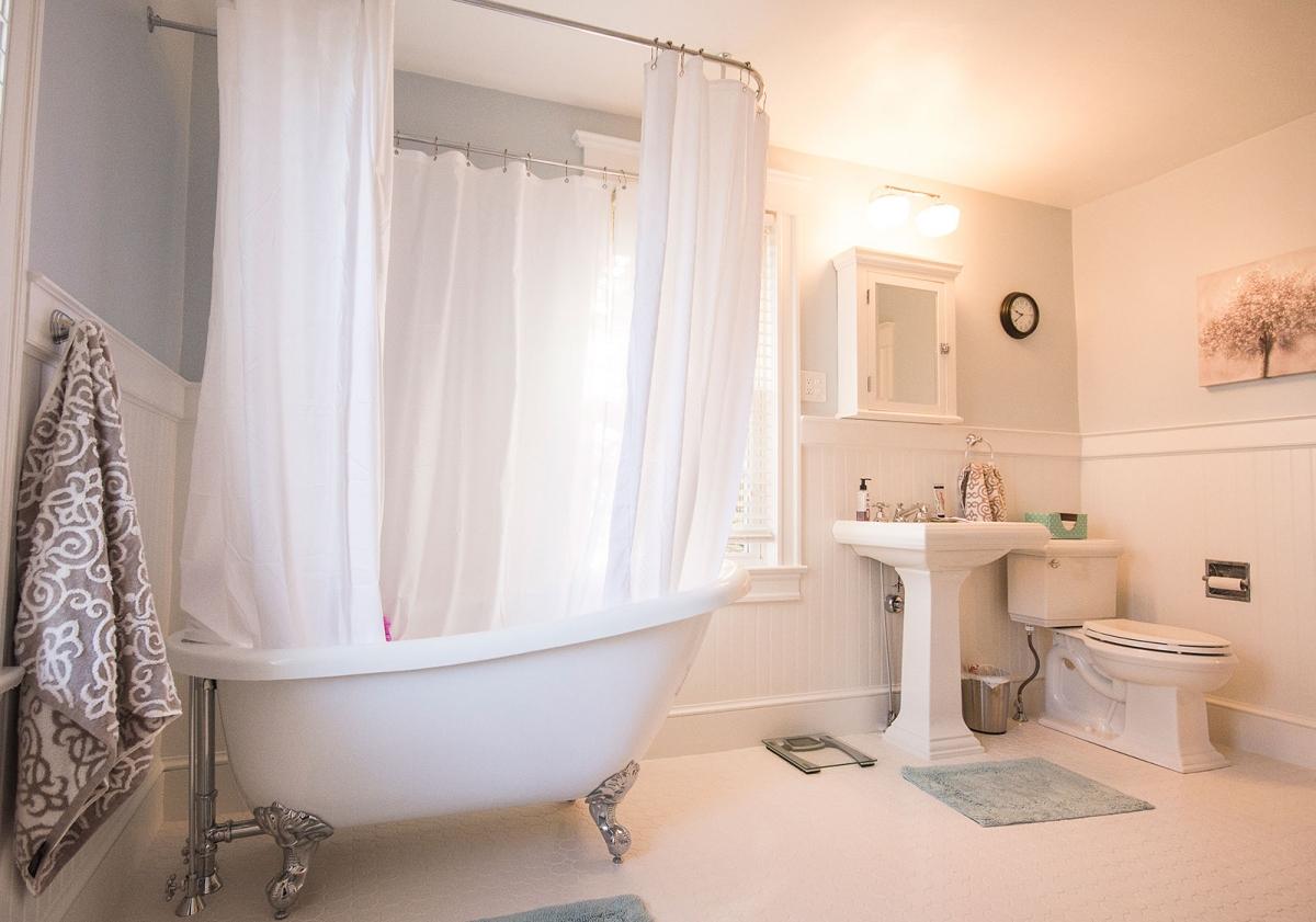 Bathrooms – Red Door Remodeling